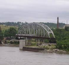 Ограничение движения грузового автотранспорта по мосту через Зею