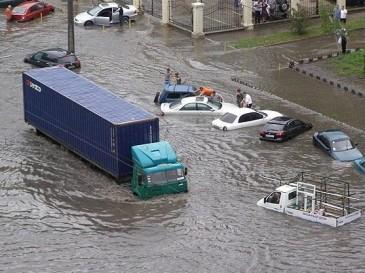 Амурские жители уверены в том, что городские службы не справляются с последствиями ливней