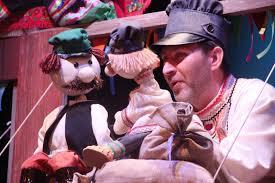 Амурский театр кукол гастролирует по пунктам временного размещения пострадавших