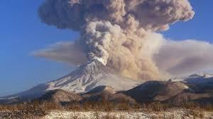 Вулканом Шивелуч на Камчатке выброшен пепел на высоту 8,5 километра