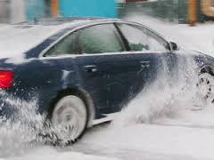 Сложная ситуация на дорогах — помогут ксеноновые фары и противоголодедные цепи