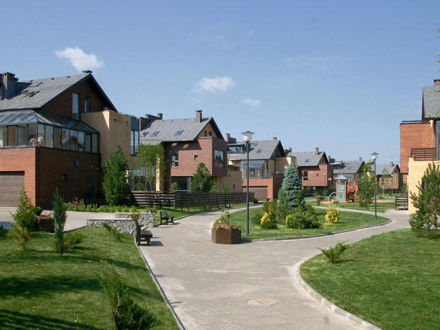 Почему стоит приобретать жилье в коттеджных поселках