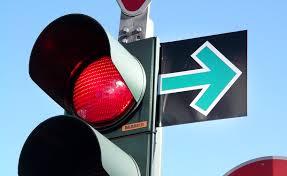 Российские водители смогут поворачивать направо на красный свет