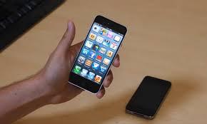 В России наблюдается соревнование планшетов со смартфонами в цене
