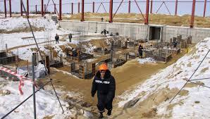Медведев обеспокоен отставанием от графика строительства космодрома Восточный