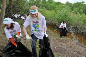 Берег Зеи завтра начнут очищать от мусора