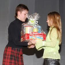 Призы и оригинальные подарки для детей-участников конкурса