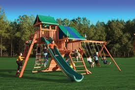 Жители Лермонтовки строят площадку для детей