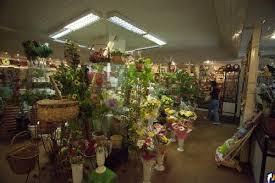 По причине приезда Путина владельцы цветочных магазинов не смогли получить товар