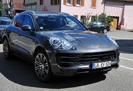 У «младшего брата» Porsche Cayenne появятся светодиодные фары