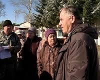 Власти Тамбовского района пообщались с пострадавшими жителями