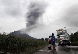 Из-за вулкана эвакуированы 1700 человек
