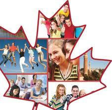 Амурские школьники получили в подарок от канадских сверстников модные толстовки и игрушки