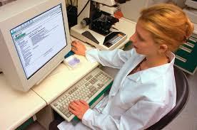 Планируется ввести  электронные рецепты и больничные листы