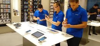В новом торгово-развлекательном центре открыт фирменный магазин Apple