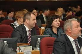 Анатолий Белоногов получает поздравления  с юбилеем