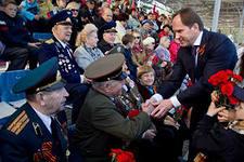 Праздничное шествие в честь Дня Победы в Благовещенске