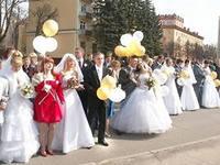 Благовещенские молодожёны отметили праздник