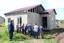 В сёлах Константиновского района жилье должно быть сдано в срок