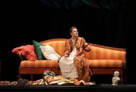 По словам художественного руководителя драматического театра, покой коллективу лишь снится