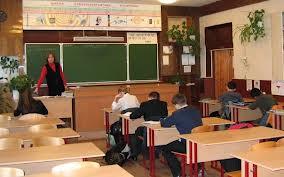 Комиссии осматривают школы