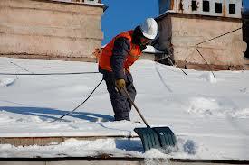 Жители Благовещенска должны сообщать о некачественной уборке дворов от снега
