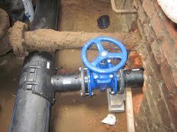В новых поселках для подтопленцев проверяется качество водопроводных и канализационных труб