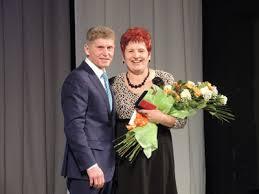 Многодетные мамы Приамурья получили почётные знаки и по 50 тысяч рублей