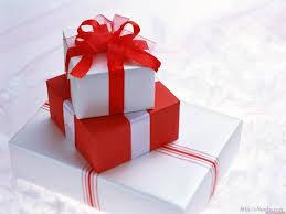Интересные идеи подарков – карманные зеркала и другие