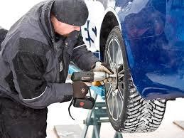 Автомобилисты обязаны менять резину по сезону
