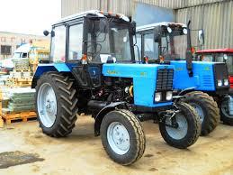 Сельскохозяйственные тракторы незаменимы при выполнении полевых работ